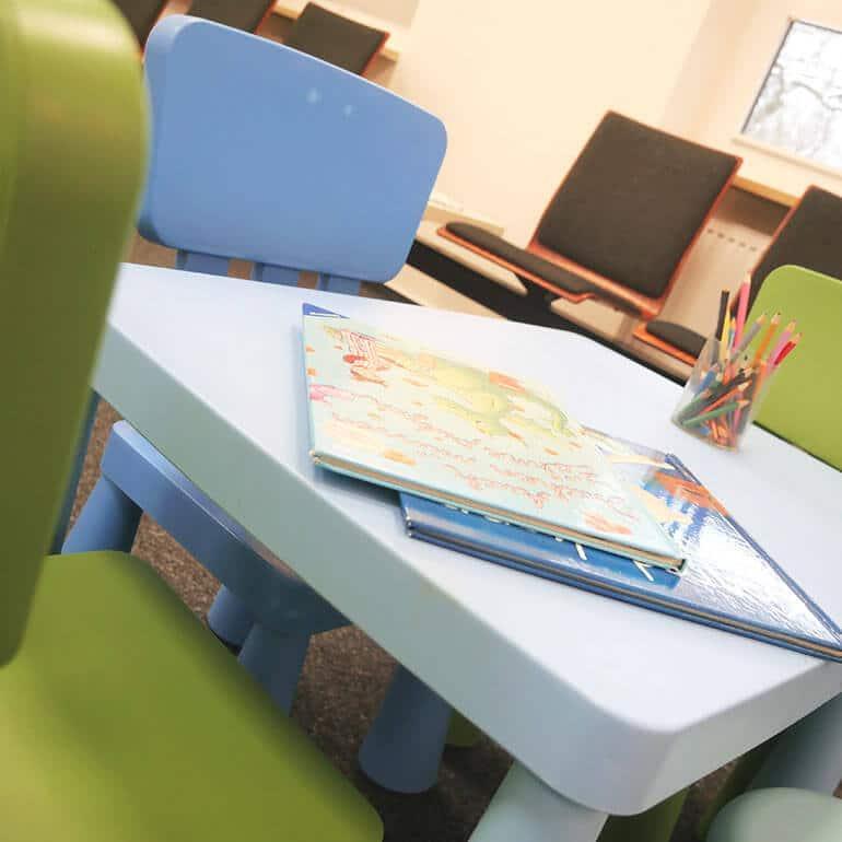 KFO Stelz | Kinderspielecke im Wartebereich