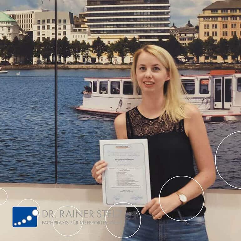 KFO Stelz | Fortbildungs-Zertifikat Frau Poolmann
